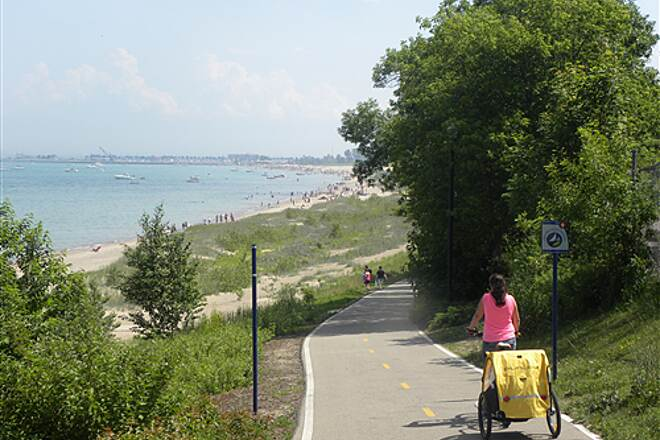Lake Michigan Pathway Behind the zoo