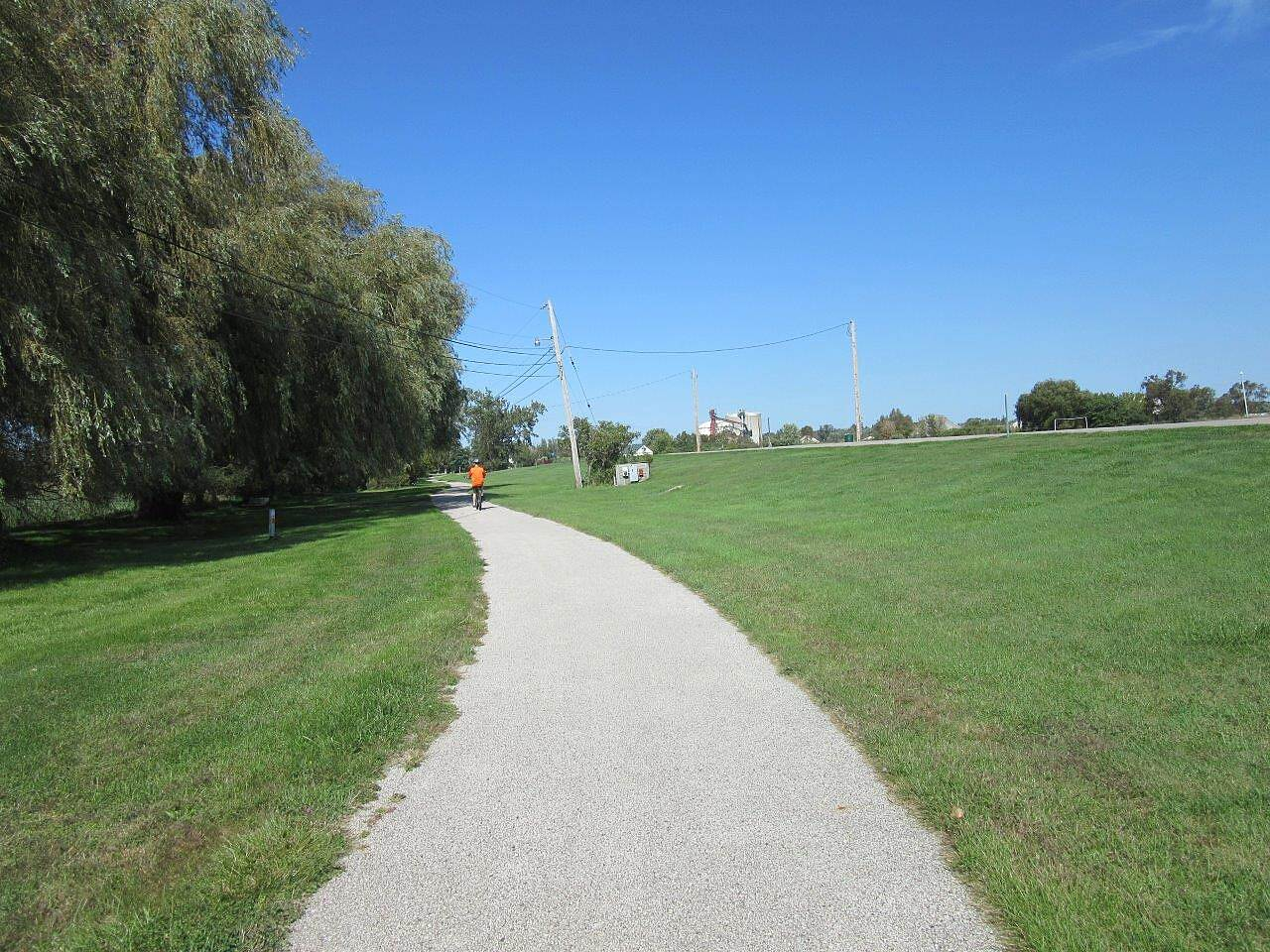 Lakeside Trail Trail Trail going through a park like setting on the edge of Grand Haven