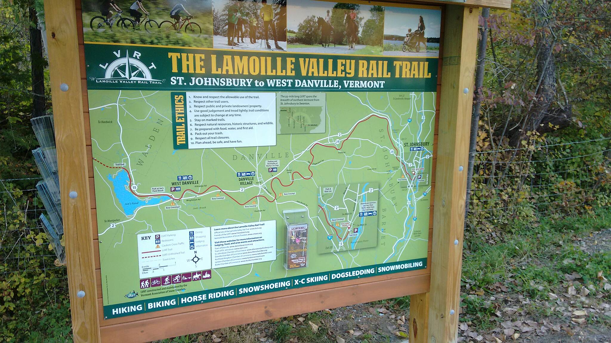 Lamoille Valley Rail Trail Kiosk - St Johnsbury Trailhead Info Kiosk at the Eastern end of the LVRT.  Plenty of free brochures are available.  There is parking for approximately 15-20 vehicles, the lot is dirt and the parking patterns change day to day...  Park head-in works best capacity