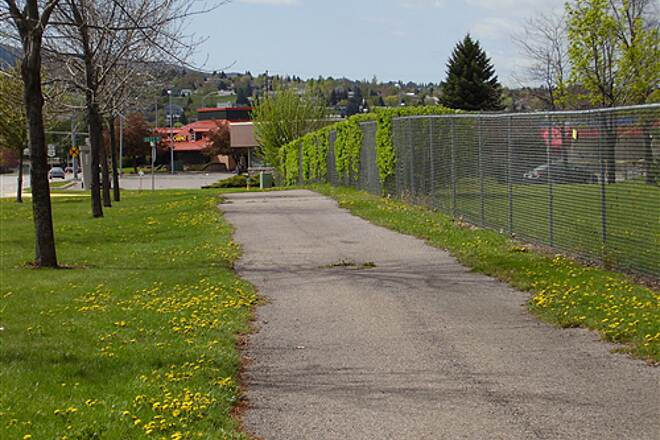 Larchmont Trail Larchmont Trail 3 The south end of the trail looking south; near Clark Street.