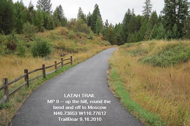 Latah Trail LATAH TRAIL The first section is a ride in the pines.