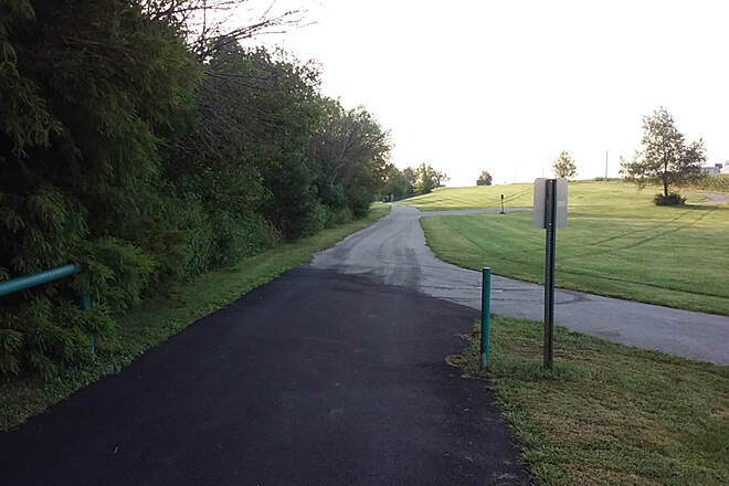 Legacy Trail (KY) Clockwise Aug 2015 Continue to right (South) into Coldstream Farm