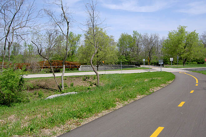 Legacy Trail (KY) Nandino Blvd April 2011 Crossing Nandino Blvd between Lexmark and Shadybrook Park