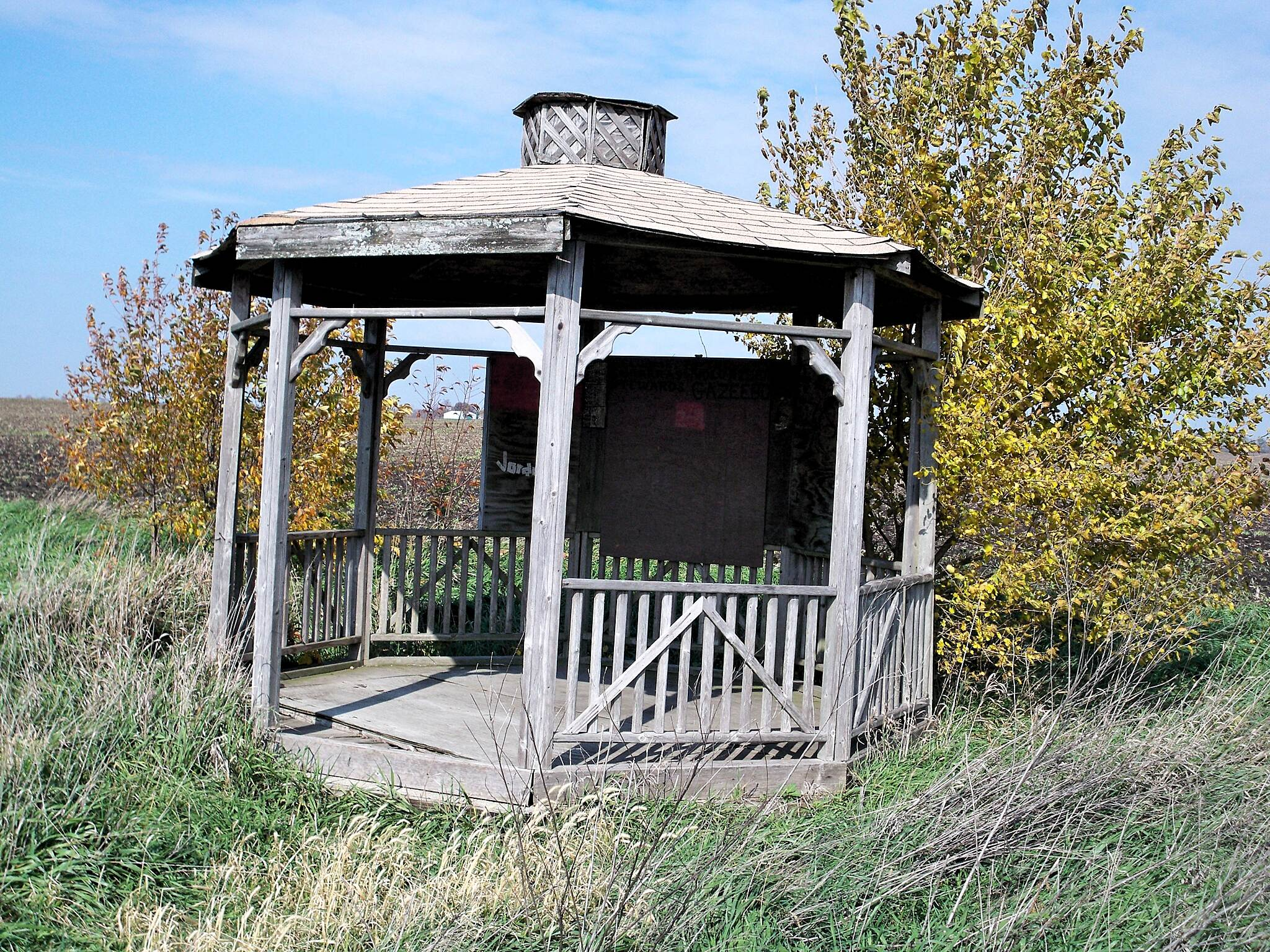 Lincoln Prairie Grass Trail Wayside Gazebo At prairie restoration area