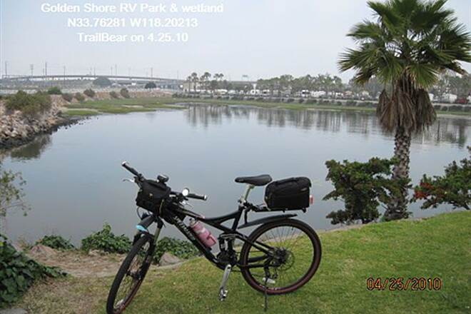 Los Angeles River Trail LARIO TRAIL - BOTTOM SECTION Wetland and RV park beyond