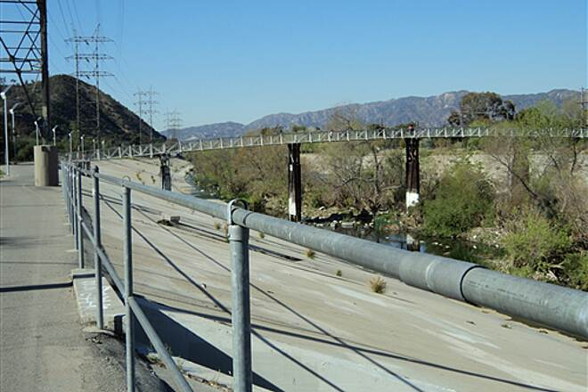 Los Angeles River Trail  Narrow foot/bike bridge across the river