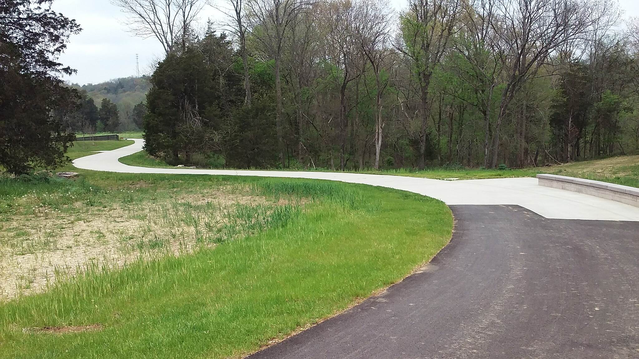 Louisville Loop  Southbound April 2016 Curves going downhill to The Midway and The Woodland Pavilion