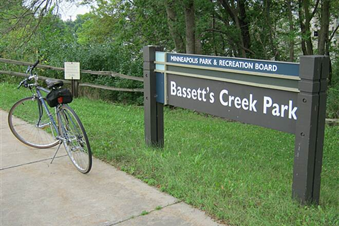 Luce Line Trail Bassett's Creek Trail #22 I hope this photo essay is interesting and/or helpful on your ride