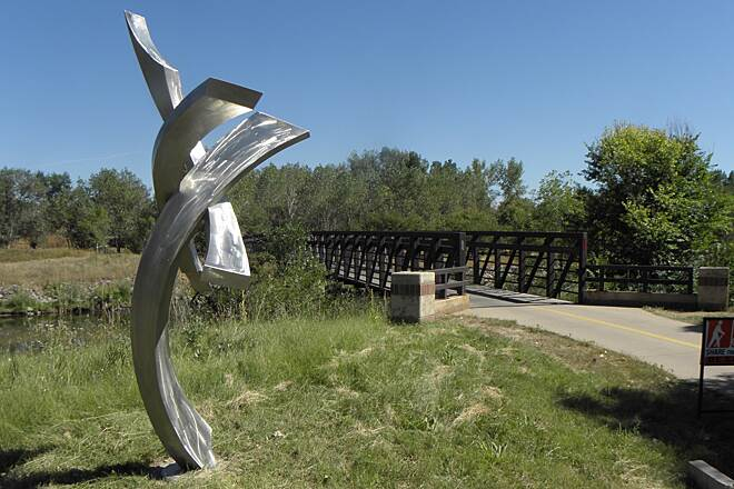 Mary Carter Greenway (Arapahoe Greenway) Sculpture next to trail Next to one of several bridges over the Platte River allowing access to connecting trails as well as just getting to the other side of the river since the trail runs on both sides of it for a few miles.