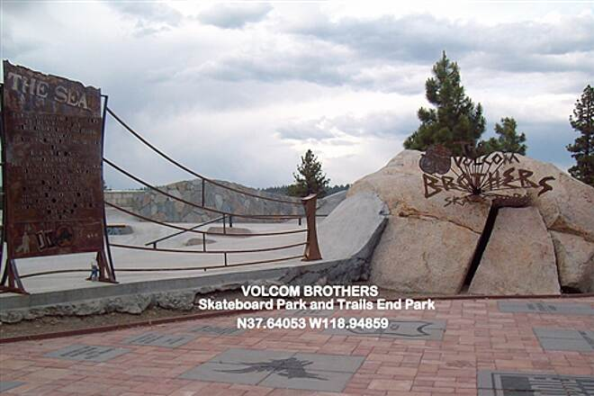 Meridian Connector VOLCOM BROTHERS Skateboard Park