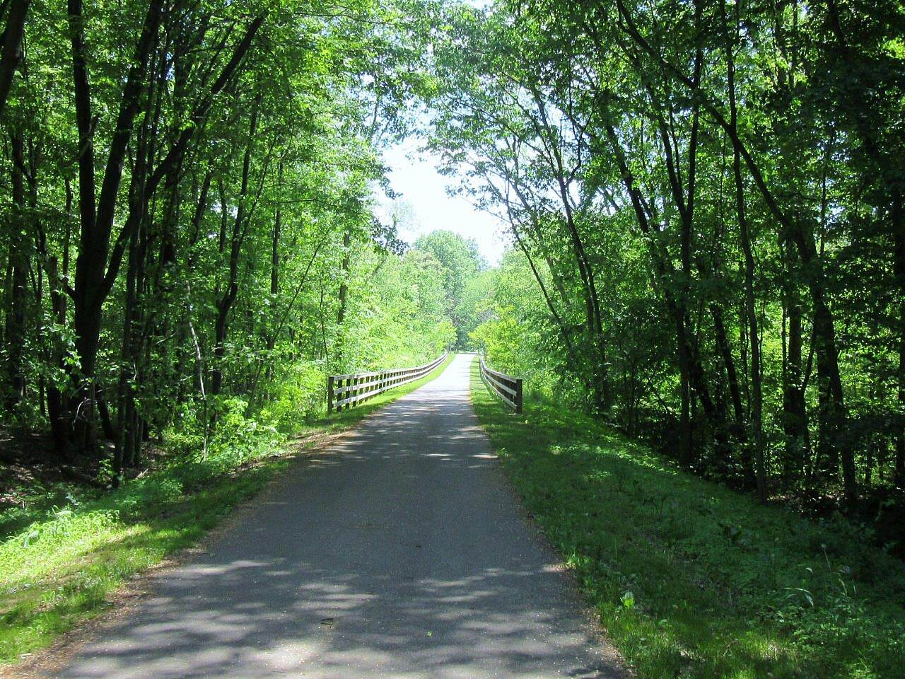 MetroParks Bikeway Trail-May 2015 the Trail, this is right out of Niles.  At the Mahoning / Trumbull County lines