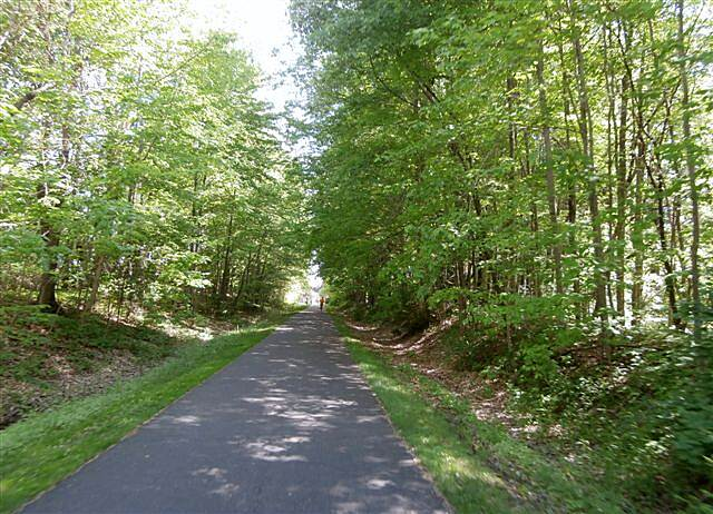 MetroParks Bikeway Trail along the trail