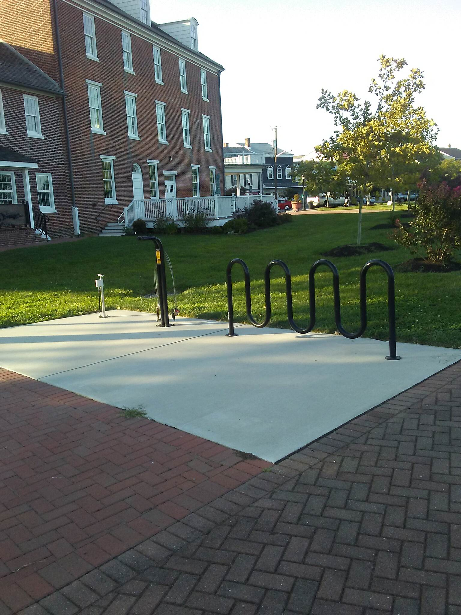 Michael Castle Trail Michael Castle Trail This bike rack and tire maintenance station is outside the old hotel just west of Delaware City's Battery Park and downtown.