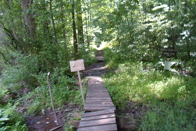 Middle Creek Trail  Middle Creek Trail Northern terminus off Kleinfeltersville Road, where it intersects with the Horseshoe Trail. These boardwalks allow users to avoid the muddy spots on the trail, but could use some improvement.
