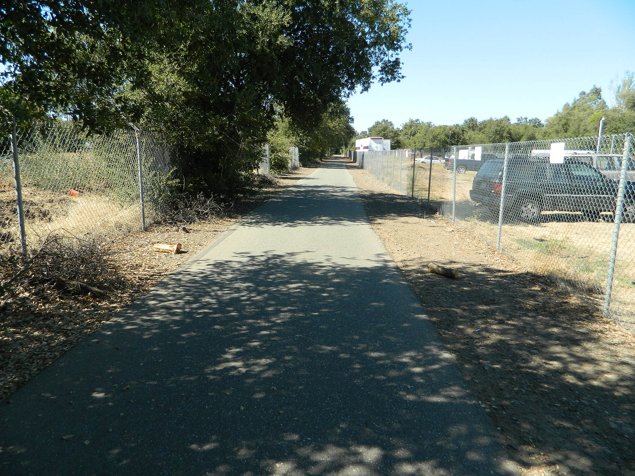 Midway Bike Path The ride Here the start of the Sacramento Norther Rail Road trail