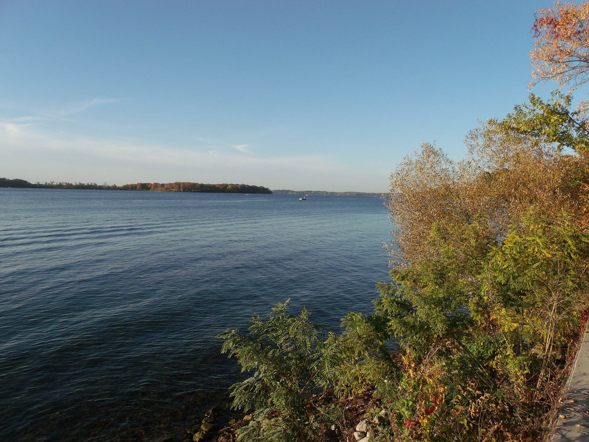 Minnesota River Bluffs LRT Regional Trail Lake Minnetonka.
