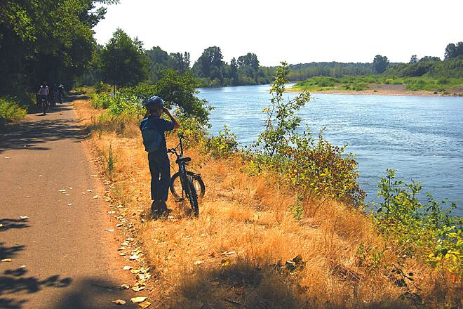 Minto-Brown Island Park Paved Path River view Riding along the Willamette River in Minto-Brown Park