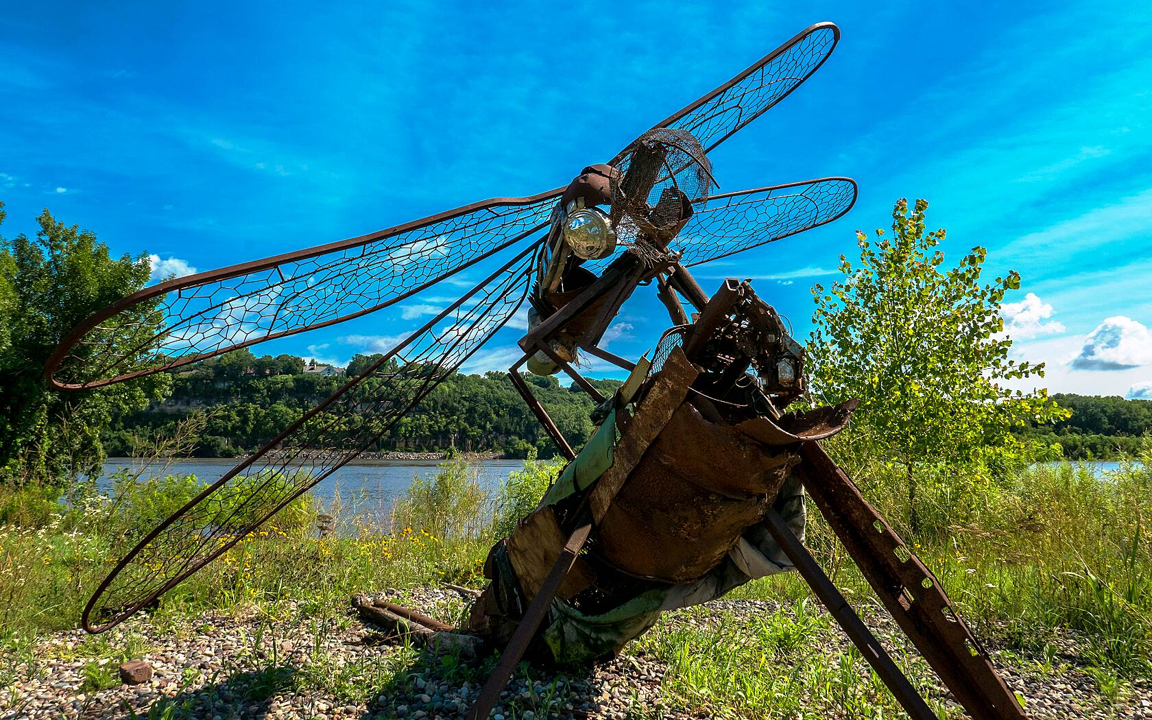 Mississippi River Regional Trail (Dakota County) Dragonfly Sculpture This critter awaits you at the river-side of the trail as you head north out of Hastings on the way to Spring Lake. Rumor has it the real ones get this big and even bigger near the Prairie Island Nuclear Plant. Beware!
