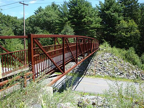 Moosup Valley State Park Trail Providence Road Bridge (Oneco, CT) This bridge over Providence Road in Oneco, CT marks the start of a very short (½ mile) paved section of the trail.