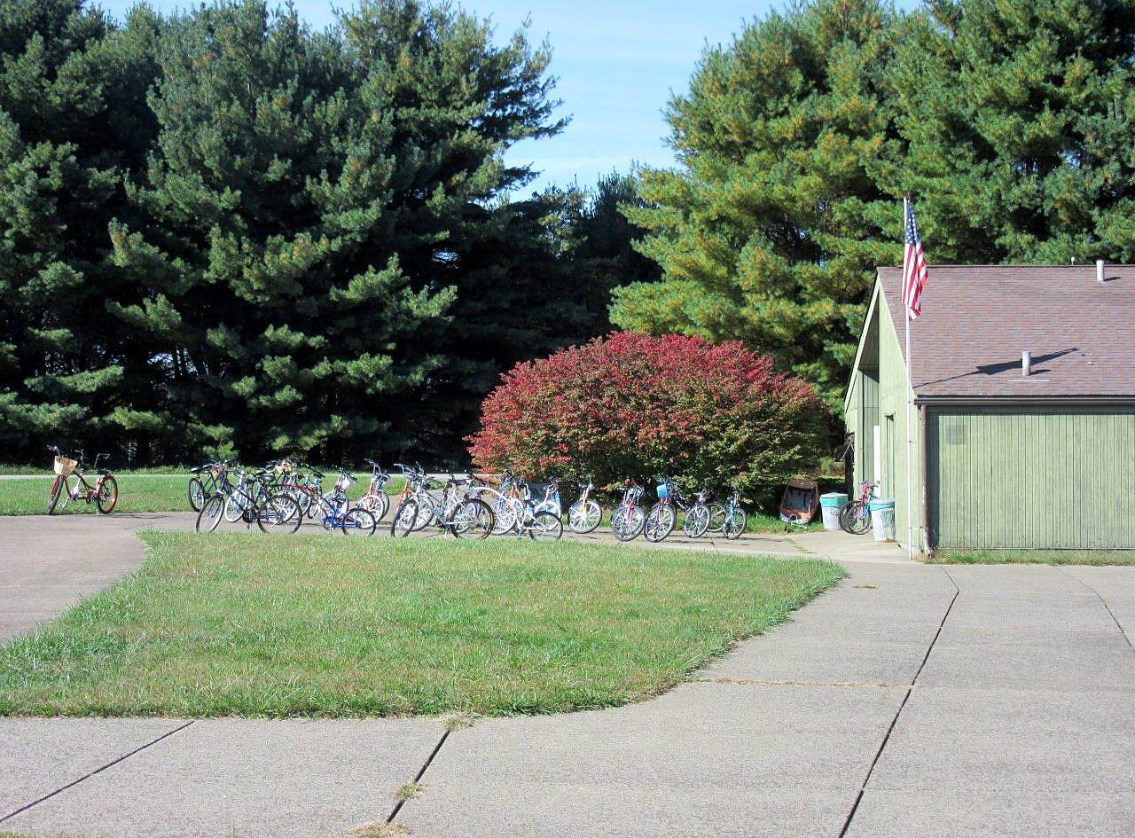 Moraine State Park Bike Trail Bike Rental Bike rental building where you get on the trai