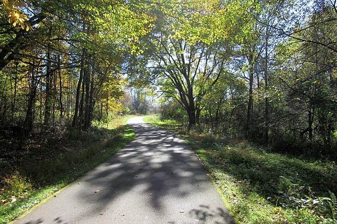 Moraine State Park Bike Trail trail Along the trail