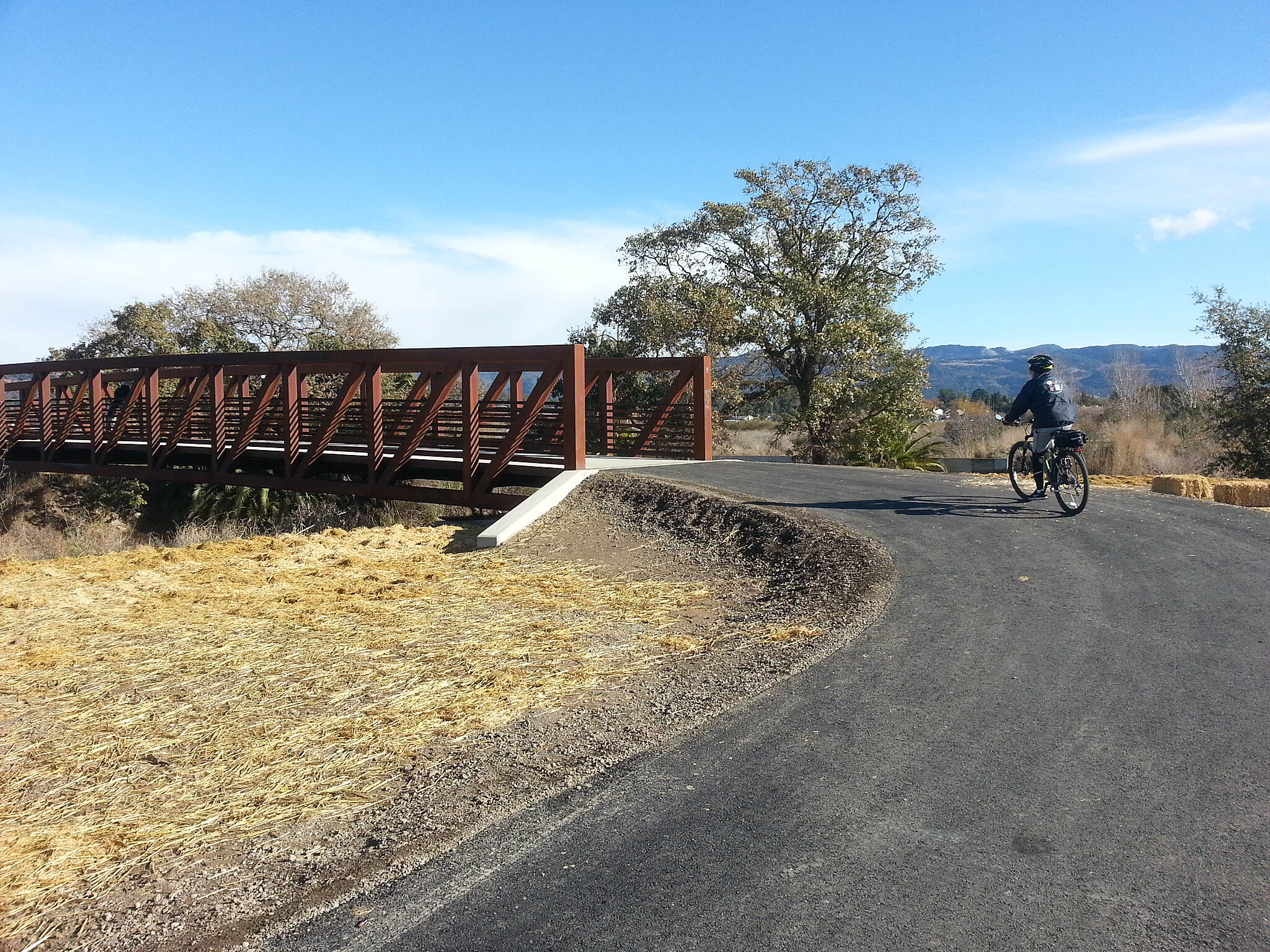 Napa Valley Vine Trail Bridge near Hartle Lane Bridge at south end of new addition to Vine Trail
