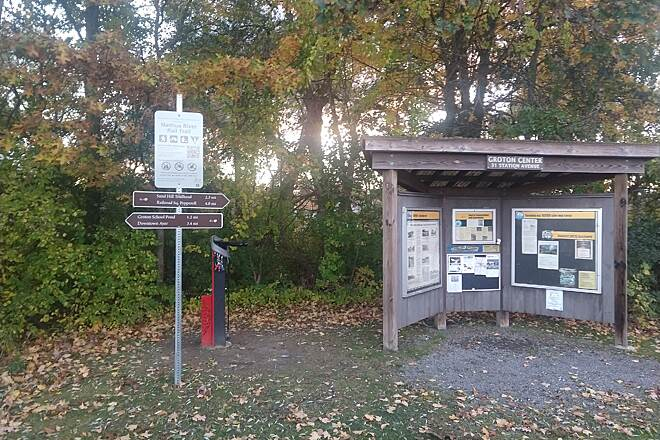 Nashua River Rail Trail Trail Stations Trail is well marked with signs telling you where you are, history and distance the other stations.