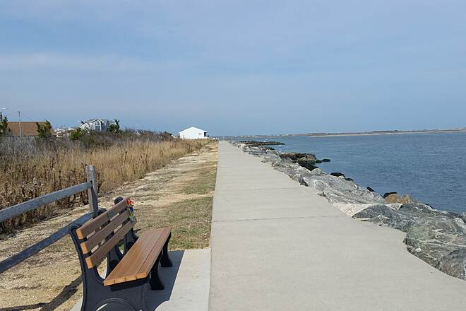 North Wildwood Seawall Trail The Seawall looking north  A nice picture looking north towards Stoneharbor.