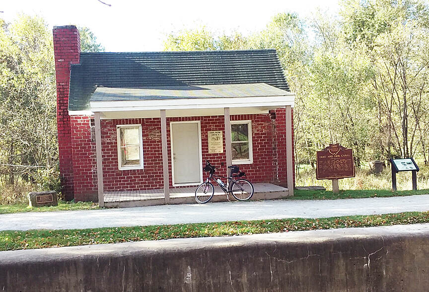 Ohio & Erie Canal Towpath Trail Oct 2016 Lock No. 4 building