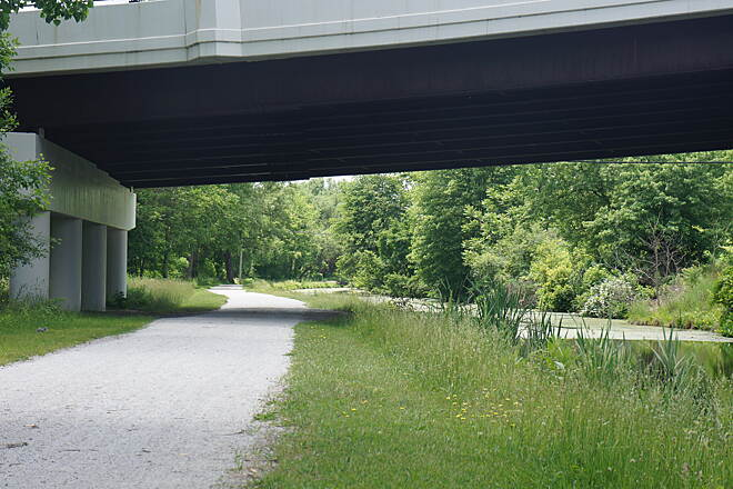 Ohio & Erie Canal Towpath Trail Trail under State St. Barberton This part of the trail is wide and safe