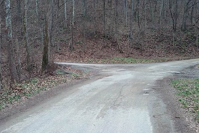 Ohio to Erie Trail December 2015 Left up hill on gravel drive to Brinkhaven parking