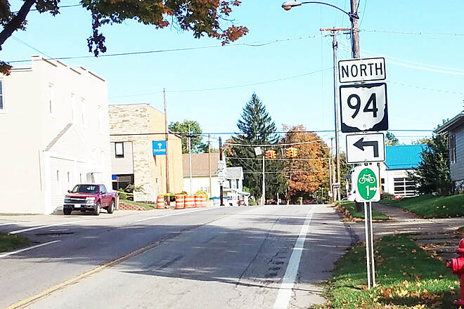 Ohio to Erie Trail Northbound Oct 2016 Dalton, right (East) on E Main St (Alt US 30) from S Mill St