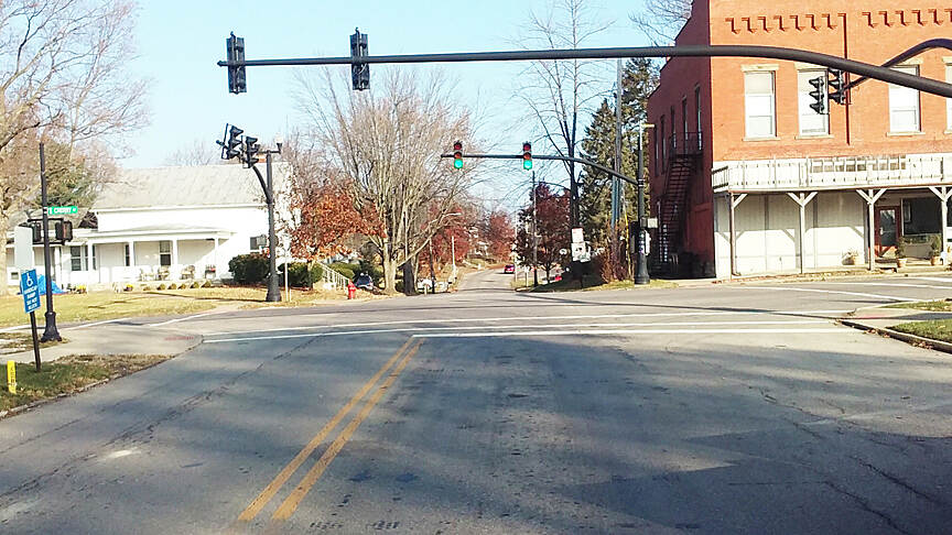 Ohio to Erie Trail Northbound Nov 2016 Sunbury, crossing E Cherry St to N Columbus St