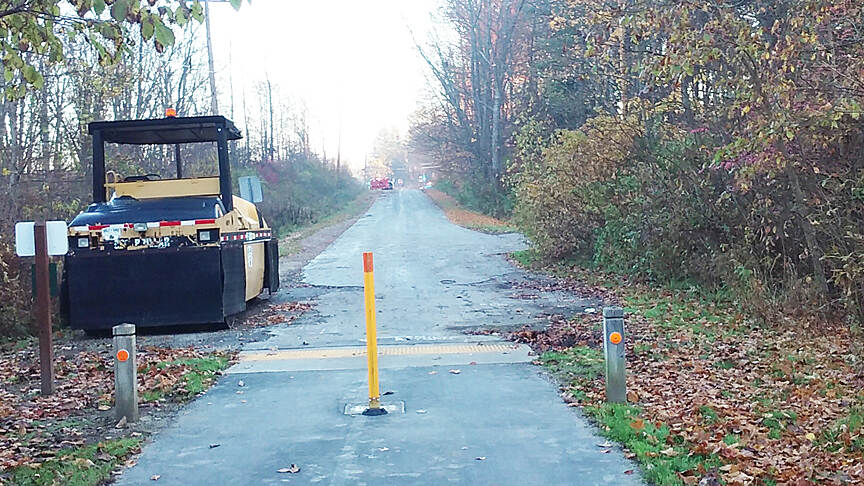 Ohio to Erie Trail Northbound Nov 2016 Trail continues as Ohio to Erie Trail on Wiese Rd, 0.6 miles to Galena