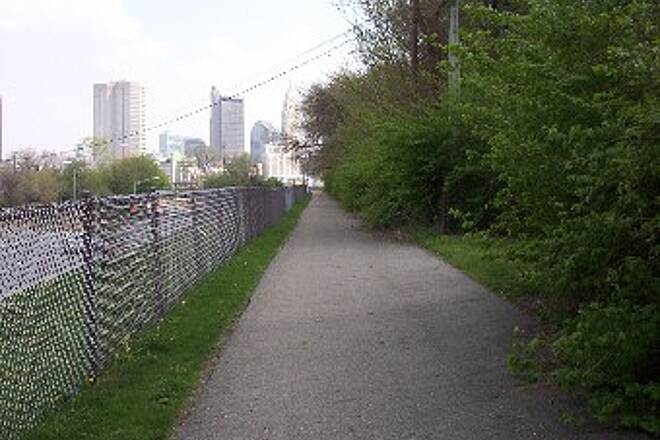 Olentangy Trail Trail Along SR 33 - W. Long St.
