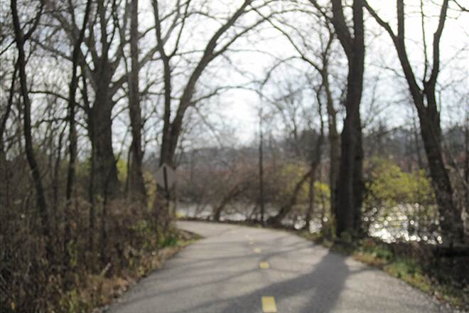 Olentangy Trail Olentangy Greenway Trail (Olentangy/Scioto Greenways) Heading South from Worthington along the river.