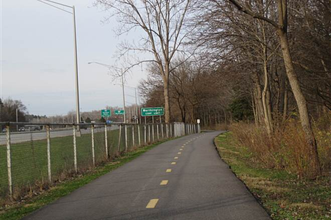 Olentangy Trail Olentangy Greenway Trail (Olentangy/Scioto Greenways) By the freeway