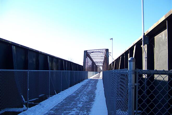 Ottumwa Trail System Bridge Winter is a great time to watch Eagles over the Des Moines River