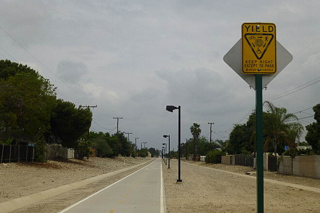 Pacific Electric Inland Empire Trail Dual Trail in Rancho Cuc Lighted dual concrete/gravel trail in Rancho Cucamonga