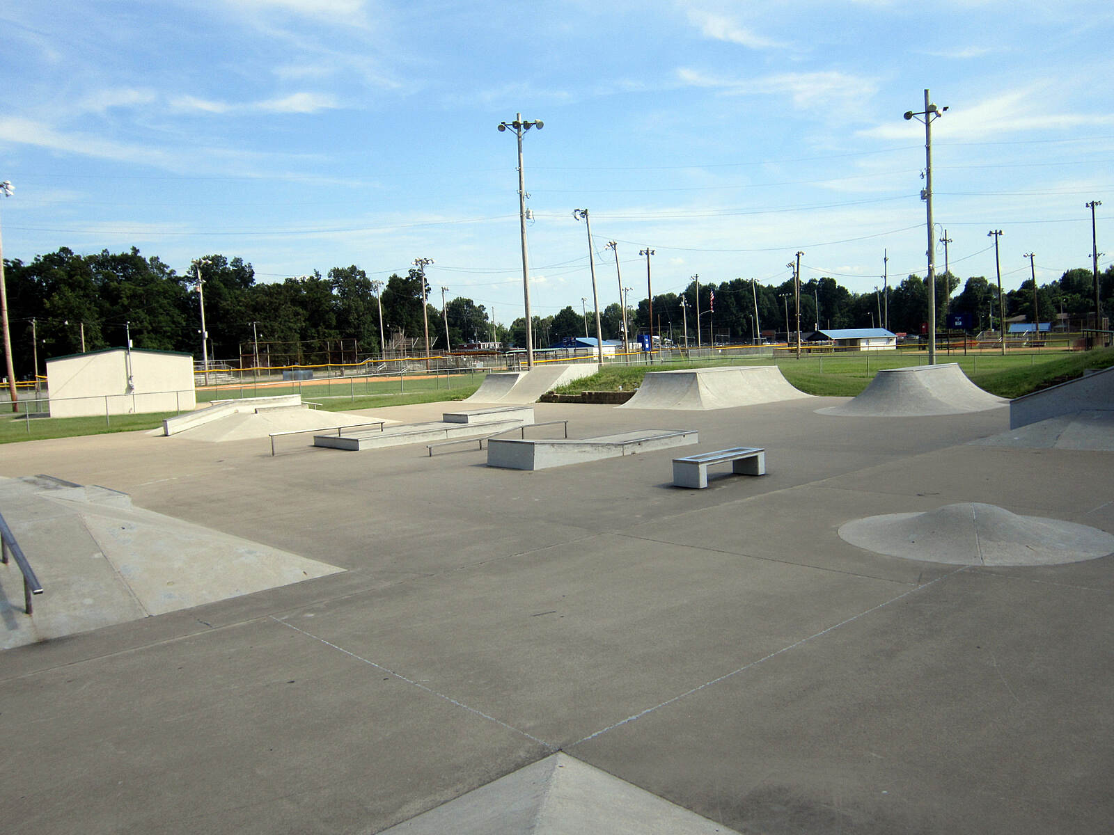 Paducah Greenway  Skate Park Where the Greenway Trail skirts beside Bob Noble Park (an excellent place to park your vehicle) there is a skate park, well worth checking out.