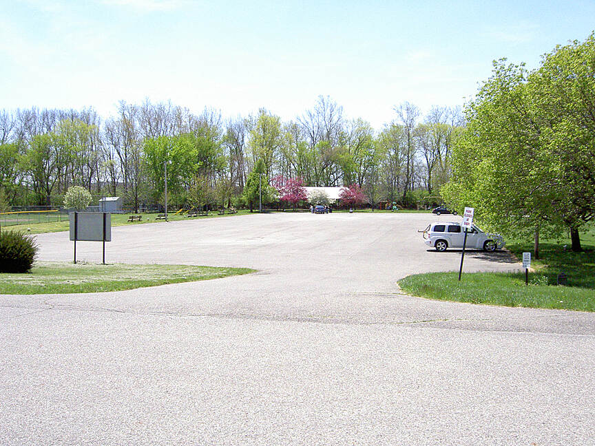 Paint Creek Recreational Trail Frankfort parking April 2015 Parking at Frankfort park at County Road 87 and Railroad St