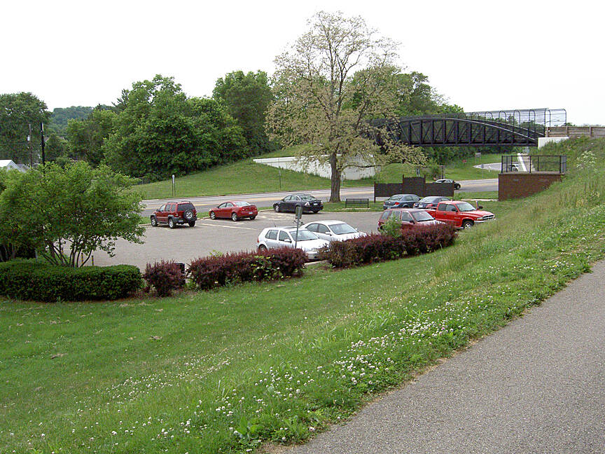 Paint Creek Recreational Trail Chillicothe May 2015 Parking on N High St/104
