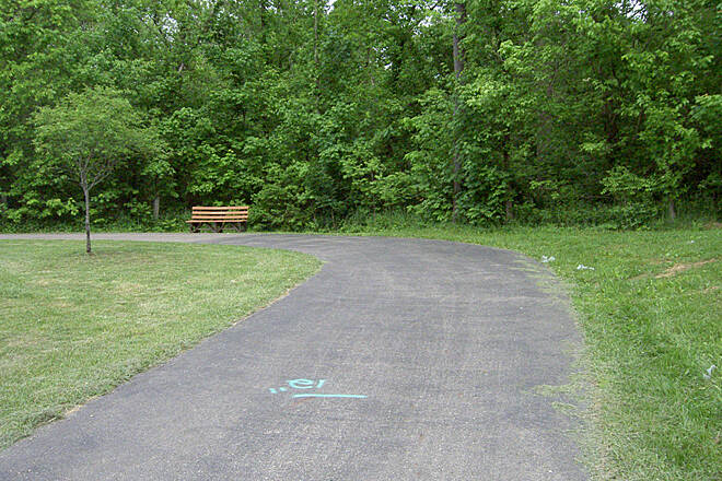 Paint Creek Recreational Trail Chillicothe May 2015 Eastbound left up hill along Veterans Pkwy