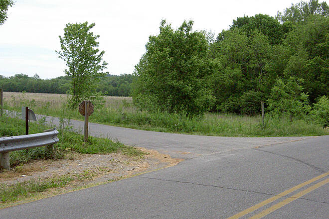 Paint Creek Recreational Trail West of Chillicothe May 2015 Eastbound Maple Grove Rd/110 left on trail, no direction sign