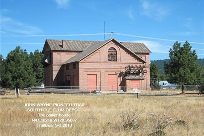 Palouse to Cascades State Park Trail JWPT - S. CLE ELUM DEPOT A view of the sub station