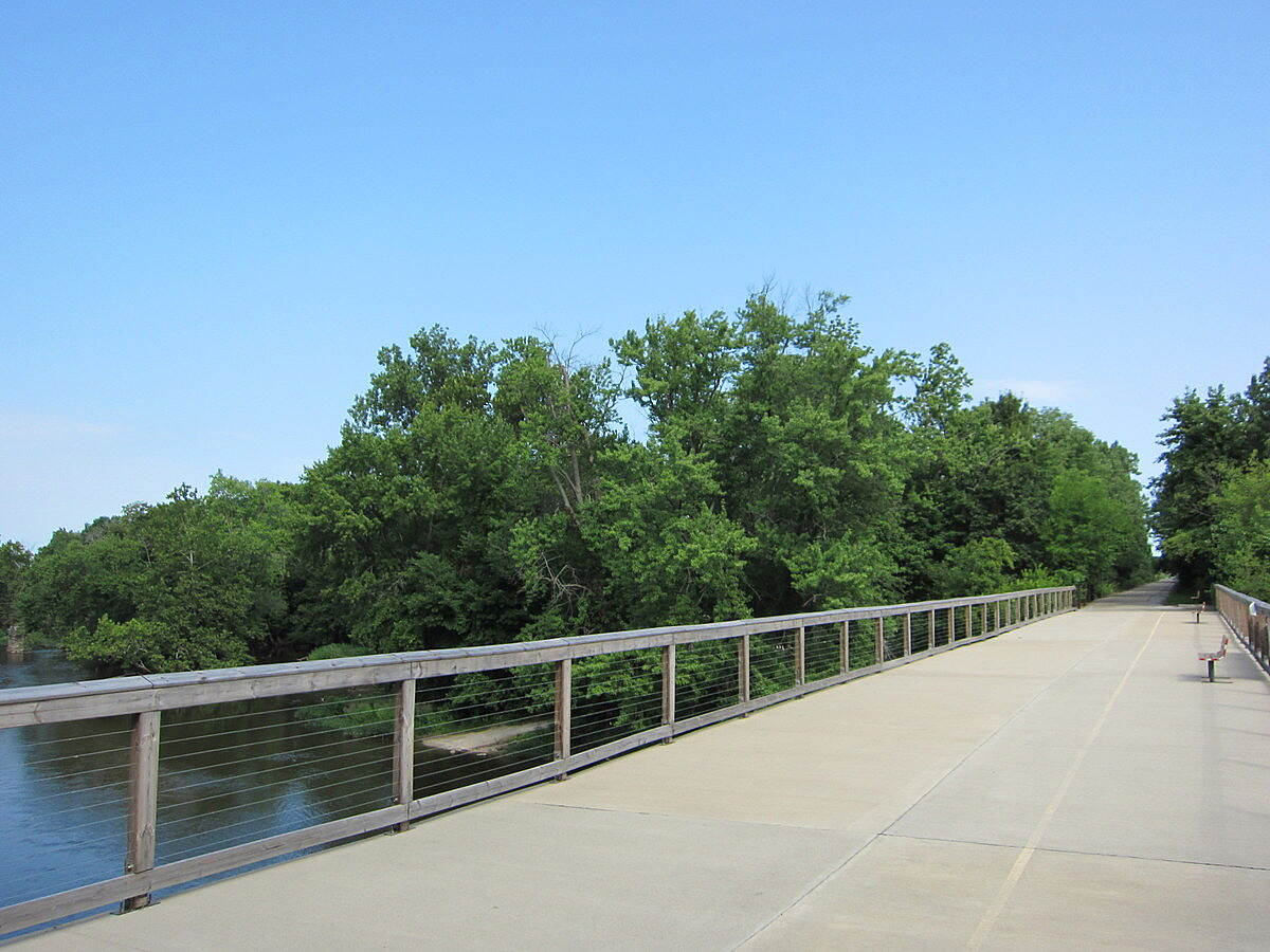 Panhandle Pathway trail over Tippecanoe River