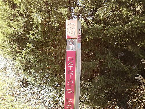 Patriots' Path (NJ) Patriots Path Through Frelinghuysen Arboretum Trail post at Acorn Hall