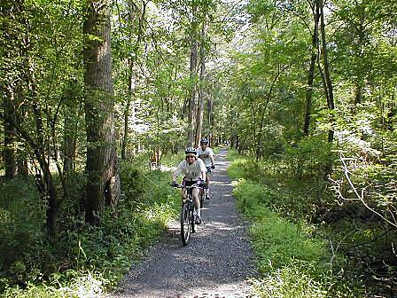 Patriots' Path (NJ) Patriots' Path Rail trail segment near Washington Valley Road in Morristown.