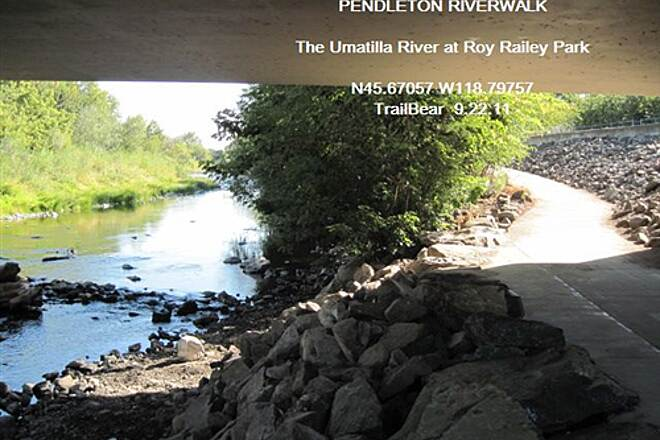 Pendleton River Parkway PENDLETON RIVERWALK Down along the Umatilla River