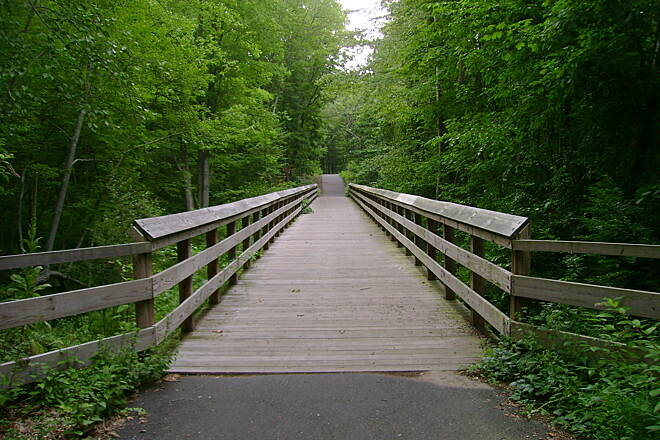 Pequonnock River Trail  Trumbull trail (a.k.a. Pequonnock Valley Greenway)